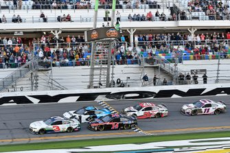 Clint Bowyer, Stewart-Haas Racing, Ford Mustang Mobil 1, Ryan Newman, Roush Fenway Racing, Ford Mustang Koch Industries, Clint Bowyer, Stewart-Haas Racing, Ford Mustang Mobil 1, Erik Jones, Joe Gibbs Racing, Toyota Camry Sports Clips, Denny Hamlin, Joe Gibbs Racing, Toyota Camry FedEx Express, Kyle Larson, Chip Ganassi Racing, Chevrolet Camaro AdventHealth