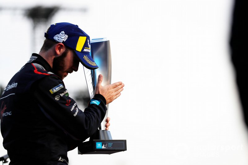 Ganador de la carrera Sam Bird, Envision Virgin Racing, Audi e-tron FE06
