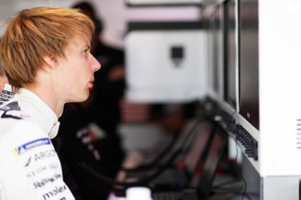 Brendon Hartley, Dragon Racing in the garage