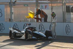 Остановка на трассе: Брендон Хартли, Dragon Racing, Penske EV-4