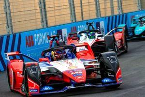 Паскаль Верляйн, Mahindra Racing, Mahindra M6Electro, и Фелипе Масса, Venturi Racing, Mercedes-Benz EQ Silver Arrow 01