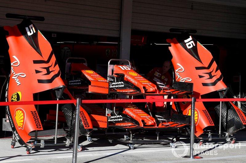 Cubierta del motor y alerón delantero del Ferrari SF90