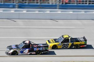 Todd Gilliland, Kyle Busch Motorsports, Toyota Tundra Mobil 1, Grant Enfinger, ThorSport Racing, Ford F-150 ThorSport Champion Power Equipment