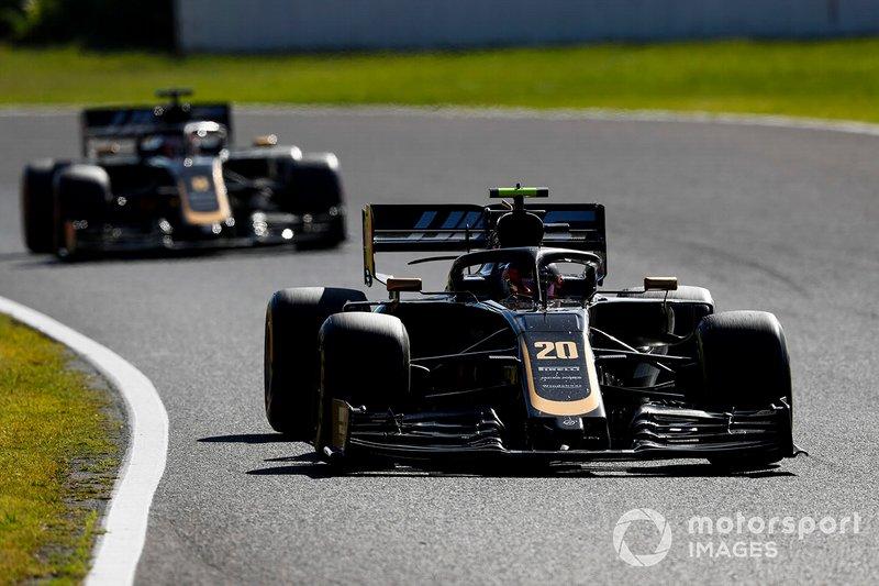 Kevin Magnussen, Haas F1 Team VF-19, Romain Grosjean, Haas F1 Team VF-19
