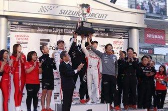 Наоки Ямамото и Ниреи Фукузуми, DoCoMo Team Dandelion Racing