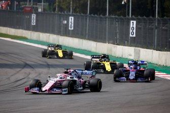 Sergio Perez, Racing Point RP19, Pierre Gasly, Toro Rosso STR14, Daniel Ricciardo, Renault R.S.19, y Nico Hulkenberg, Renault R.S. 19