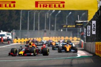 Alexander Albon, Red Bull RB15, leads Carlos Sainz Jr., McLaren MCL34