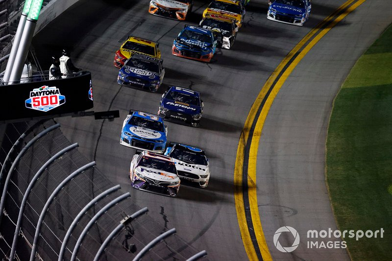 Denny Hamlin, Joe Gibbs Racing, Toyota Camry, Ryan Newman, Roush Fenway Racing, Ford Mustang