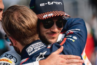 Sam Bird, Virgin Racing hugs Daniel Abt, Audi Sport ABT Schaeffler