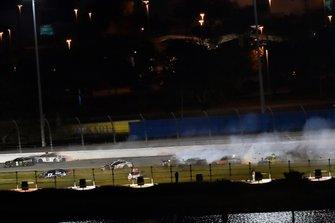 Big One: Massencrash mit 19 Autos beim Daytona 500