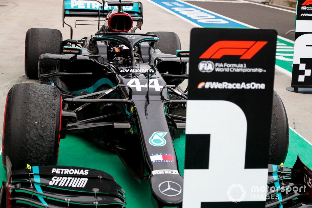 Race winner Lewis Hamilton, Mercedes F1 W11