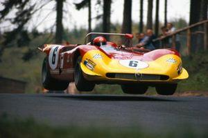 Rolf Stommelen, Piers Courage, Autodelta, Alfa Romeo T33/3 75080-004