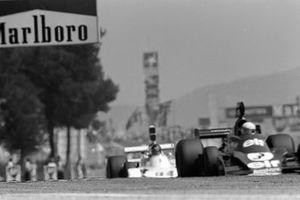 Jody Scheckter, Tyrrell 007, James Hunt, Hesketh Ford 308