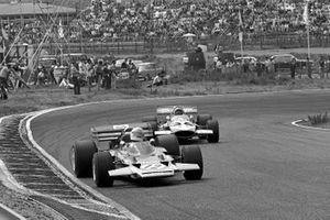 John Miles, Lotus 72C ve John Surtees, Mclaren M7C