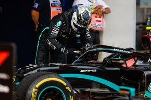 Valtteri Bottas, Mercedes-AMG Petronas F1, in parc ferme