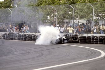Choque de Riccardo Patrese, Brabham BT49D Ford