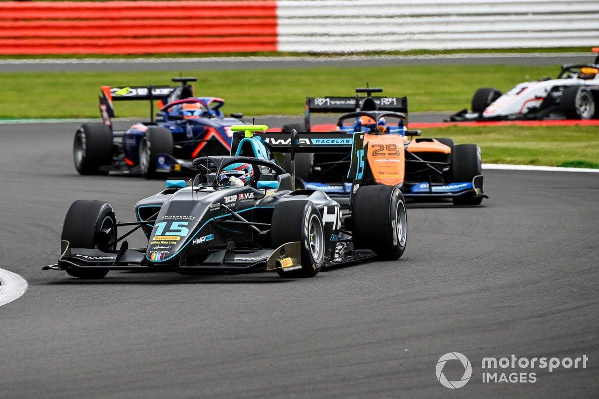 Jake Hughes, HWA Racelab e Alexander Peroni, Campos Racing
