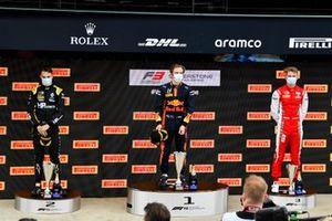 Oscar Piastri, Prema Racing, Race Winner Liam Lawson, Hitech Grand Prix and Liam Lawson, Hitech Grand Prix on the podium