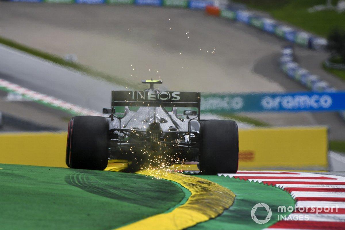Боттас вылетел с трассы на последних секундах квалификации