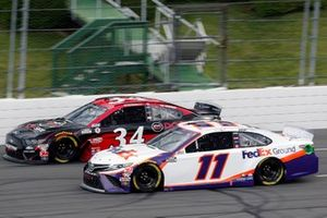 Denny Hamlin, Joe Gibbs Racing, Toyota Camry FedEx Ground and Michael McDowell, Front Row Motorsports, Ford Mustang