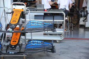 Dettagli ala anteriore della McLaren MCL35