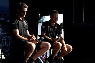 Romain Grosjean, Haas F1 and Kevin Magnussen, Haas F1 Team on stage