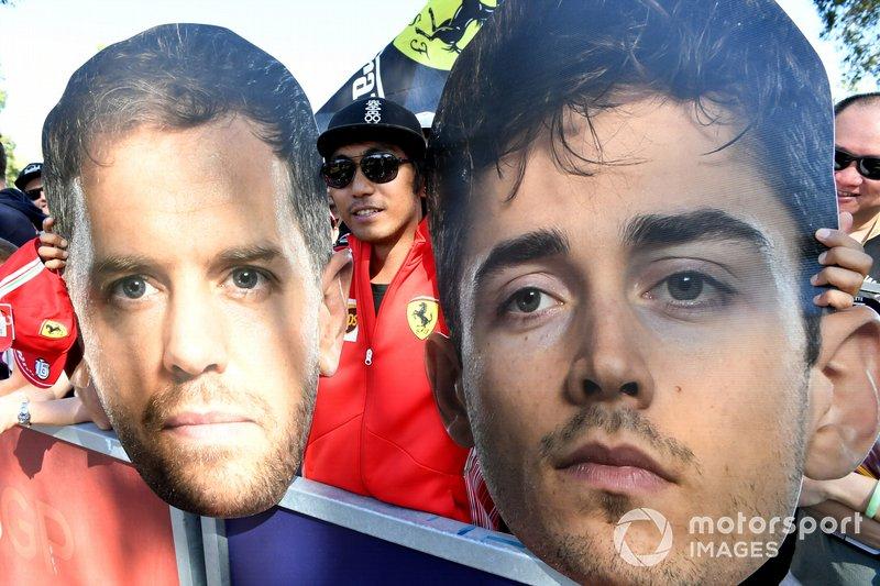 I tifosi con la maschera di Sebastian Vettel, Ferrari e Charles Leclerc, Ferrari