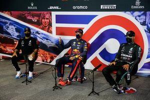 Lewis Hamilton, Mercedes-AMG Petronas F1, Max Verstappen, Red Bull Racing, e Valtteri Bottas, Mercedes-AMG Petronas F1, in conferenza stampa