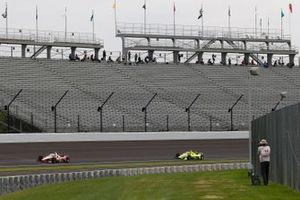 Josef Newgarden, Team Penske Chevrolet, Simon Pagenaud, Team Penske Chevrolet, spotters