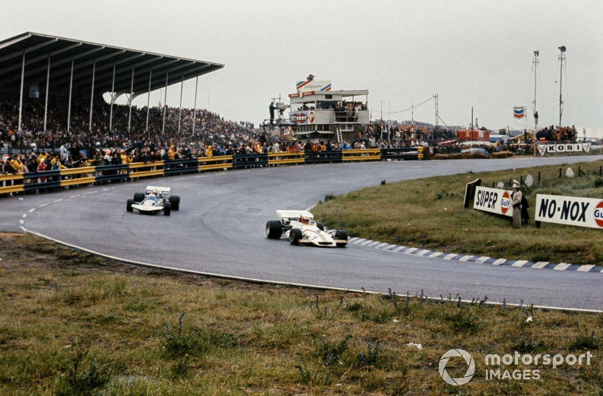 Jo Siffert, BRM P160, Rolf Stommelen, Surtees TS9 Ford