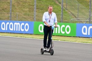 Martin Brundle, Sky TV su un monopattino