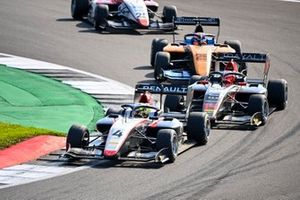 Max Fewtrell, Hitech Grand Prix, Enzo Fittipaldi, HWA Racelab and Alexander Peroni, Campos Racing