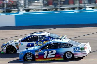 Ryan Blaney, Team Penske, Ford Fusion PPG, #9: Chase Elliott, Hendrick Motorsports, Chevrolet Camaro NAPA Auto Parts