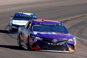 Denny Hamlin, Joe Gibbs Racing, Toyota Camry FedEx Ground and Kyle Larson, Chip Ganassi Racing, Chevrolet Camaro DC Solar