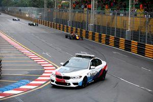 Safety car in pista