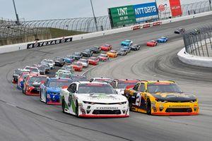 Tyler Reddick, JR Motorsports, Chevrolet Camaro BurgerFi and Daniel Hemric, Richard Childress Racing, Chevrolet Camaro South Point Hotel & Casino