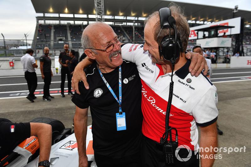 Ron Pallatt, McLaren mecánico y Josef Leberer, Sauber entrenador en Leyendas F1 30 Aniversario vuelta de Demostración