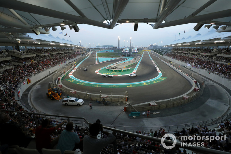 Safety Car leads Lewis Hamilton, Mercedes AMG F1 W09 EQ Power+