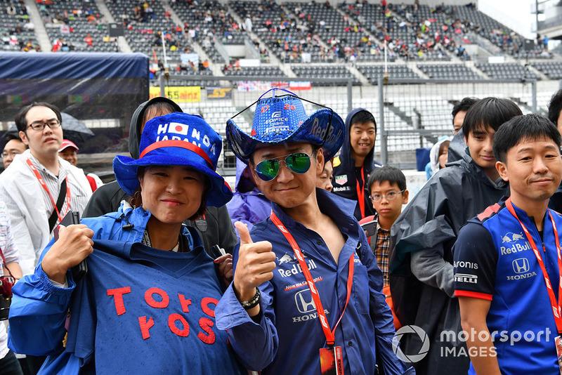 Болельщиков Toro Rosso в Японии, кажется, было больше, чем всех остальных