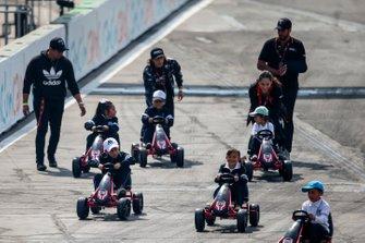 Çocuklar Kart yarışı