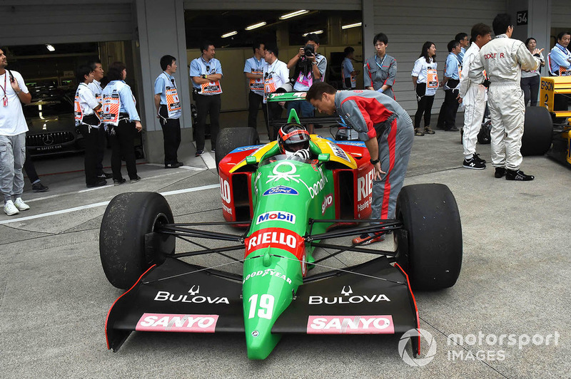 Benetton F1 en la exhibición con coches históricos por el 30 Aniversario de Suzuka en F1
