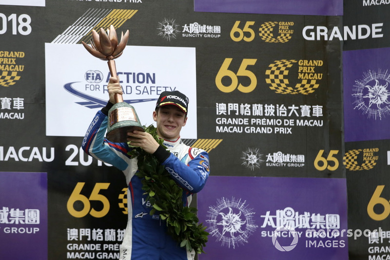 Photos - Sacha Fenestraz (Carlin) porte les couleurs de Vaillante à Macao