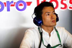 Naoki Yamamoto nel garage Toro Rosso