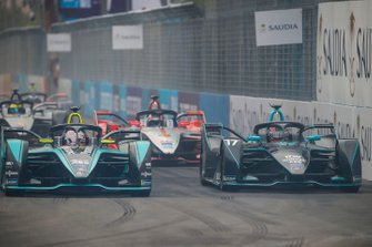Mitch Evans, Panasonic Jaguar Racing, Jaguar I-Type 3 side by side with Gary Paffett, HWA Racelab, VFE-05