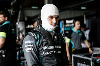 Nelson Piquet Jr., Panasonic Jaguar Racing in the garage