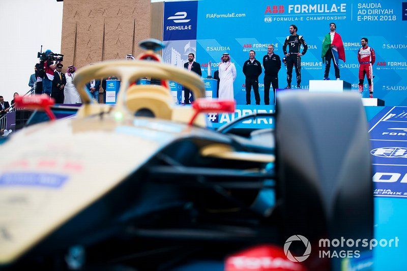 Podio: ganador Antonio Felix da Costa, BMW I Andretti Motorsports