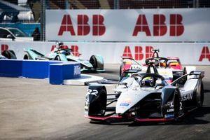 Оливер Роуленд, Nissan e.dams, Nissan IMO1, и Даниэль Абт, Audi Sport ABT Schaeffler, Audi e-tron FE05
