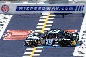 Martin Truex Jr., Joe Gibbs Racing, Toyota Camry Auto-Owners Insurance/Martin Truex Jr. 500th Start