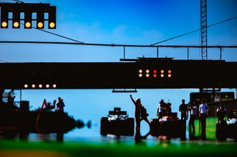Max Verstappen. Red Bull Racing tras ganar la clasificación