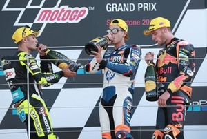 Podium: race winnaar Augusto Fernandez, Pons HP40, tweede Jorge Navarro, Speed Up Racing, derde Brad Binder, KTM Ajo